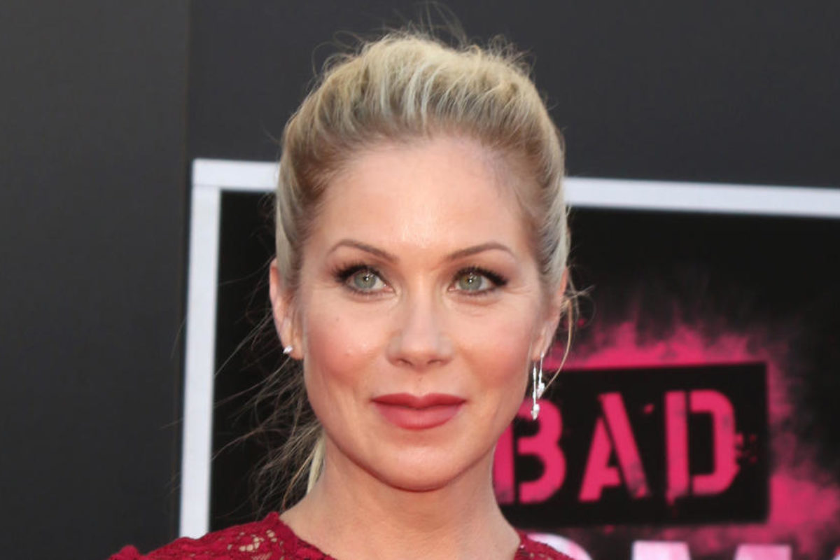"""Christina Applegate returns to TV with Netflix show """"Dead to Me"""""""