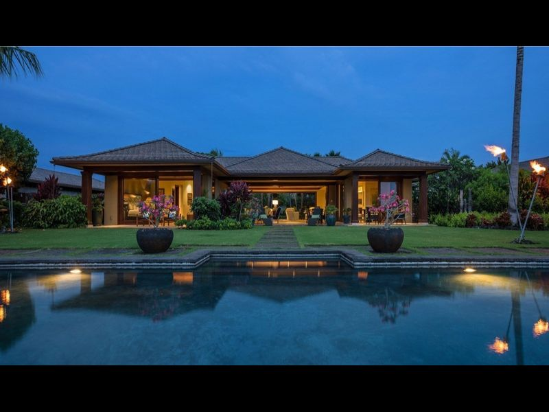 Actor Ed O'Neill Buys Beautiful Home For Only $6.25 Million in Hawaii